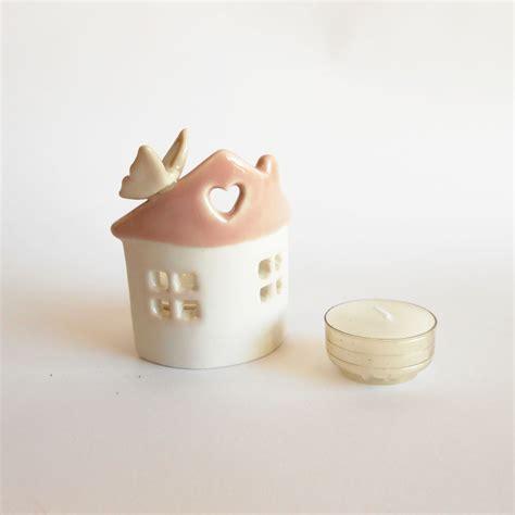 candela bomboniera bomboniera porta candela casetta con farfalla in ceramica