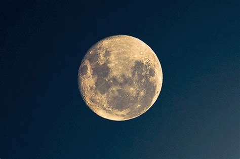 gifs animados de la luna imagenes de la luna  movimiento