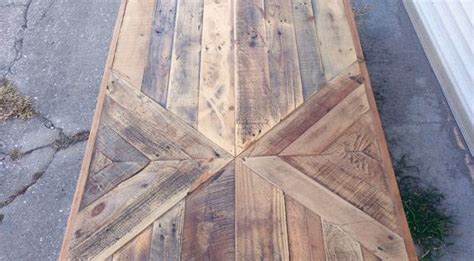 Table Et Chaises En Palettes Recyclées Wood Pixodium Reclaimed Barn Wood Chevron Coffee Table By