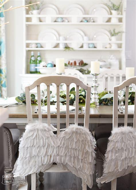 Plain Wings To Decorate - aqua green farmhouse table decoration ideas