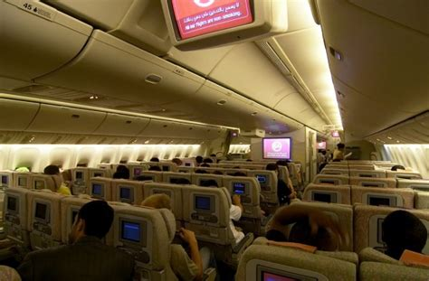 plan de cabine emirates boeing b777 300er two class