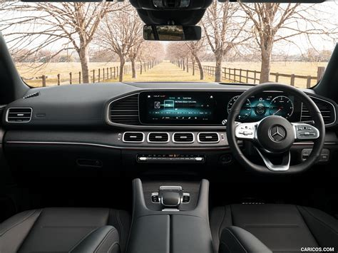 Besides the impeccable interior and solid construction that make a mercedes special, the gle has all of the latest and greatest innovations. 2020 Mercedes-Benz GLE 300d (UK-Spec) - Interior, Cockpit | Wallpaper #41 | 1600x1200