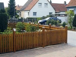 Welches Holz Für Gartenzaun : f r jeden baustil der passende zaun ~ Lizthompson.info Haus und Dekorationen