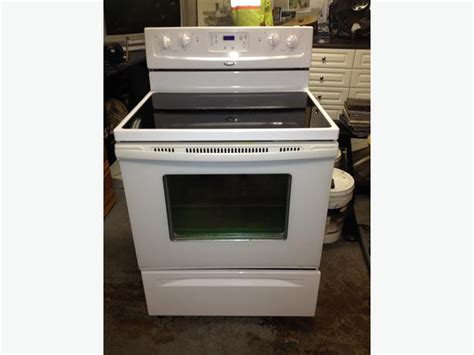 2008 Whirlpool Electrtic Stove Saanich, Victoria