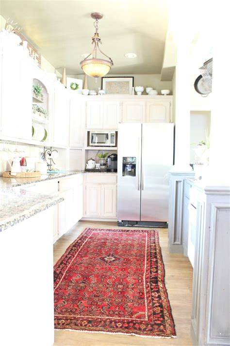kitchen floor rug settle the controversy rugs in kitchens are they a do 1668