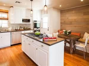 revetement mural cuisine adhesif maison design bahbecom With carrelage adhesif salle de bain avec led g23 2 pin