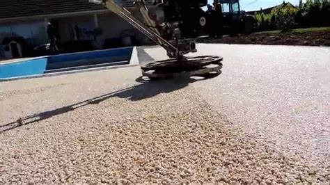 elastopave basf pose sol en rasine pour collection et revetement gravier resine photo