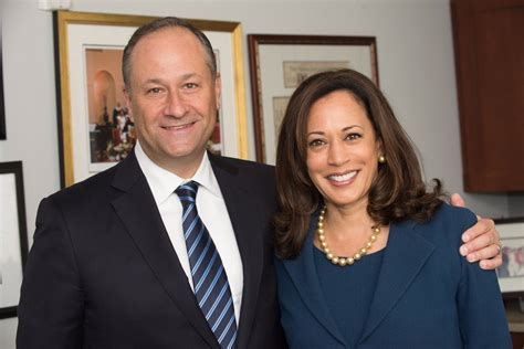 Kamala's parents are donald harris and shyamala gopalan. Kamala Harris Family - What To Know About Her Children, Husband & Parents