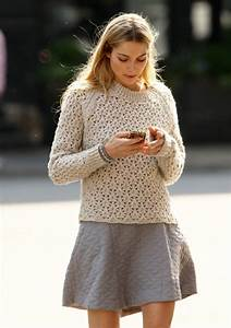 Outfit Obsessed Skater skirt u0026 chunky sweater | Bee of Designu0026#39;s Blog
