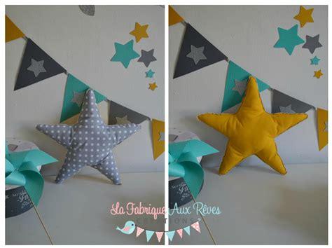 fanion chambre bébé décoration chambre bébé garçon turquoise caraïbe jaune