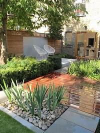 small landscaping ideas 1076 best Small yard landscaping images on Pinterest ...