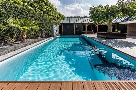 desain kolam renang  rumah minimalis rumah idaman