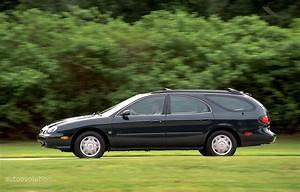 Ford Taurus Wagon