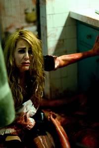 """HALLOWEEN II "" Another Laurie Strode pic in ""HALLOWEEN 2"""