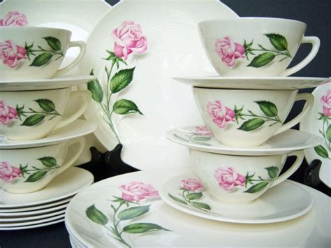 shabby chic dinner set 17 best images about pink fine china on pinterest rose patterns vintage china and vintage plates