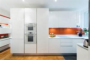 cuisine d39angle totale look blanc avec verriere moderne With porte d entrée pvc avec evier a poser salle de bain