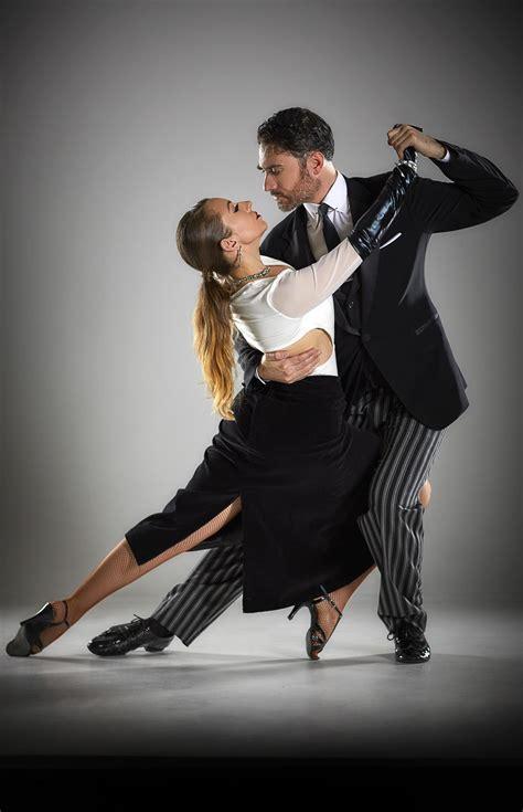 Two top Argentine Tango dancers perform in Bridgeport