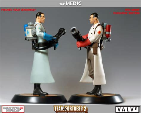 team fortress   medic collectible figure gadgetsin