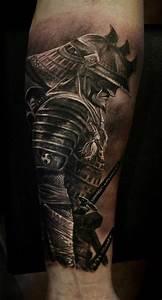 Tattoos Männer Unterarm : k mpfer tattoo unterarm t towieren unterarmtattoo in schwarz und grau tattoo ideen ~ Frokenaadalensverden.com Haus und Dekorationen