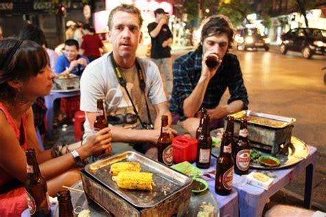 tasty hanoi street food    quarter