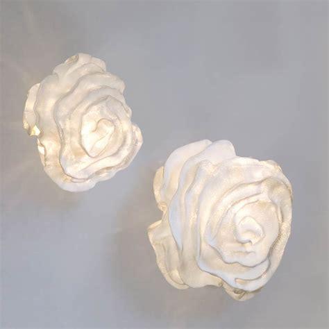 applique tissu blanc forme fleur nevo arturo alvarez luminaire design fabrique en espagne