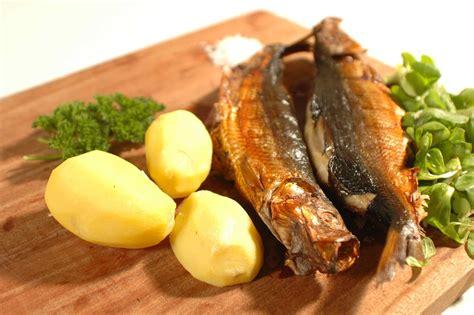 cuisiner le hareng fumé le hareng saur fumé corrue deseille salaisons et fumaisons