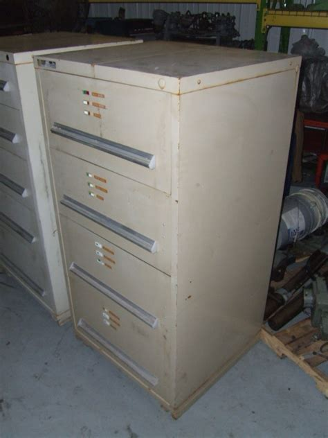Stanley Vidmar Cabinets Locks by Stanley Vidmar 4 Drawer Cabinet