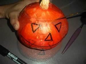 Une Citrouille Pour Halloween : fabriquer une citrouille pour halloween youtube ~ Carolinahurricanesstore.com Idées de Décoration