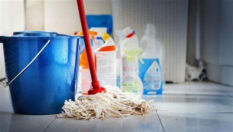clean  cleaning supplies