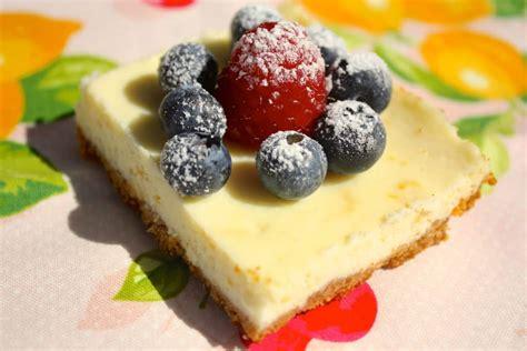 puff pastry dessert rounds with lemon mascarpone fresh