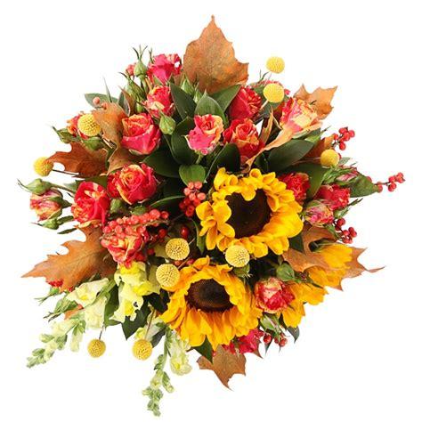 Galda kompozīcija no ziediem