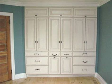 cabinets for bedroom 25 best ideas about bedroom built ins on