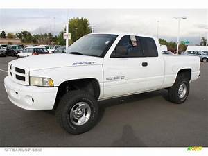 Bright White 1999 Dodge Ram 1500 Sport Extended Cab 4x4