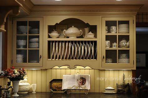 red house  love  plate rack