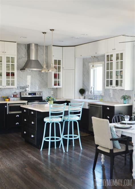 marble panel backsplash   diy kitchen  diy mommy