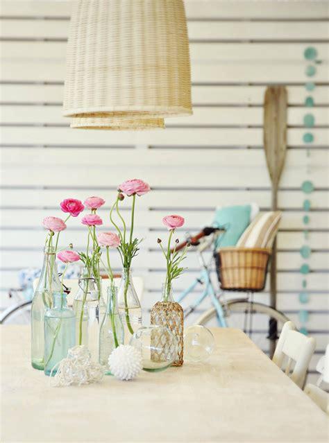 Beach Cottage Decorating With Coastal Vintage Table Ideas