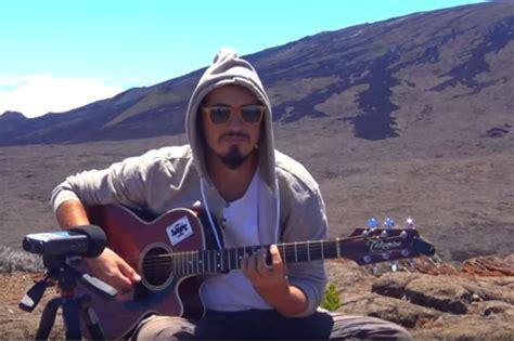 Cour De Guitare Au Piton De La Fournaise Avec Galago Music