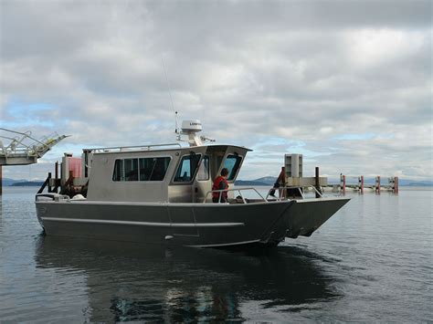 Boat And Landing by 25 San Juan Landing Craft Cabin Aluminum Boat By Silver