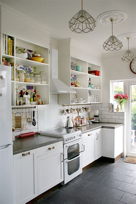Shelving Makeover Magic Fast, Frugal And Fabulous!  Make