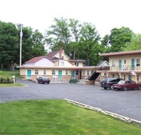 Hotel In Cadillac Mi by Economy Inn Cadillac Mi Hotel Reviews Tripadvisor