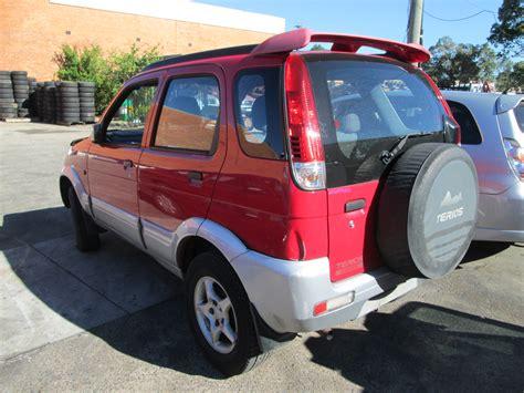 » Wrecking Daihatsu Terios Ii 1.3i -m- Red For Spare Car