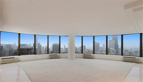 Lake Point Tower condo with 180 degree view sells for