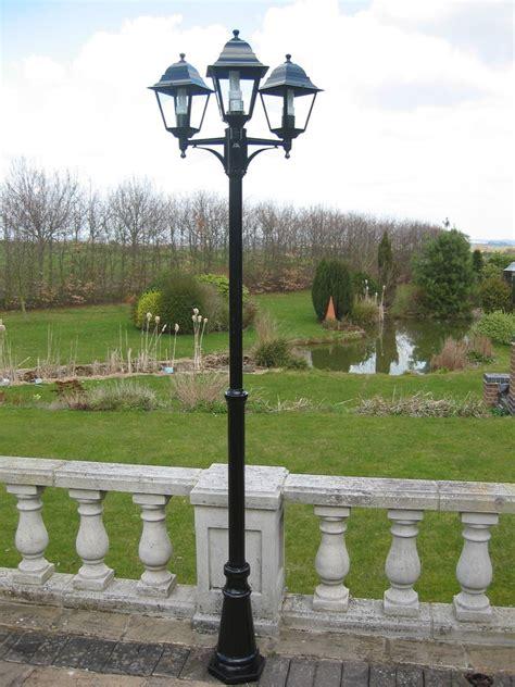 Victorian Triple Headed Garden Or Patio Lamp Post 21m