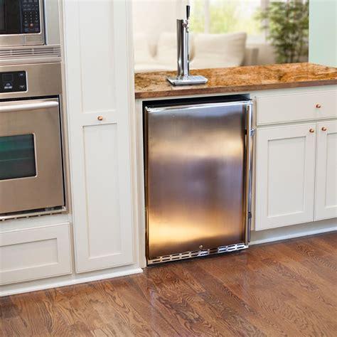 Home Bar Accessories Canada by Kegerators Coolers Kegs Dispensers Kegerator