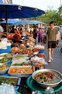 7 Tips to Eat Street Food Safely in Thailand
