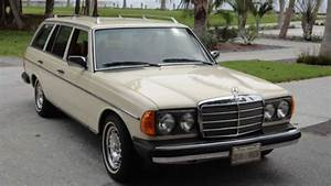 Mercedes 300 Td : john lennon 39 s mercedes benz 300 td wagon up at auction ~ Medecine-chirurgie-esthetiques.com Avis de Voitures