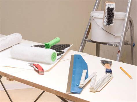 Tapezieren Tapete Aussuchen Material Berechnen Und Fehler Vermeiden by Tapezieren Tapete Aussuchen Material Berechnen Und