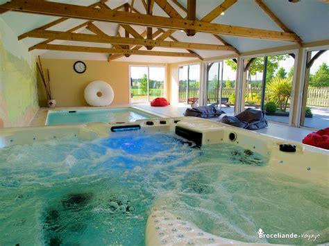 piscine dans la chambre chambres d hôtes avec piscine et espace bien être maison