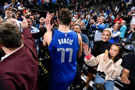 Post Up: Luka Doncic & Mavericks Snap Lakers' 10-Game ...
