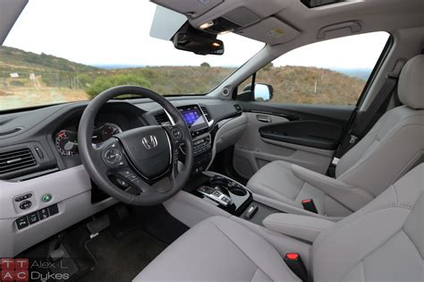 2016 Honda Pilot Interior-025
